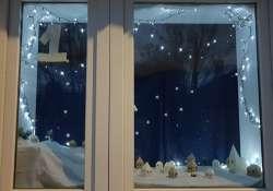 Keress te is adventi kalendáriumként nyíló ablakokat Monoron