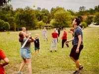 A nyári kalandtáborok jelentősége a gyermekek koronavírus utáni pszichológiai jóllétébe
