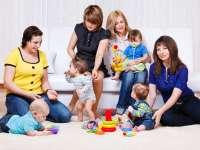 Boldog anya baba-mama klub